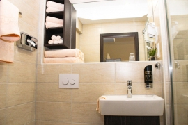 Group Room Plus at Hotel La Toscana - Bathroom
